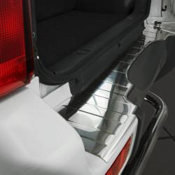Suzuki Jimny III ab Bj. 1998- Edelstahl Ladekantenschutz mit 3D Profil und Abkantung